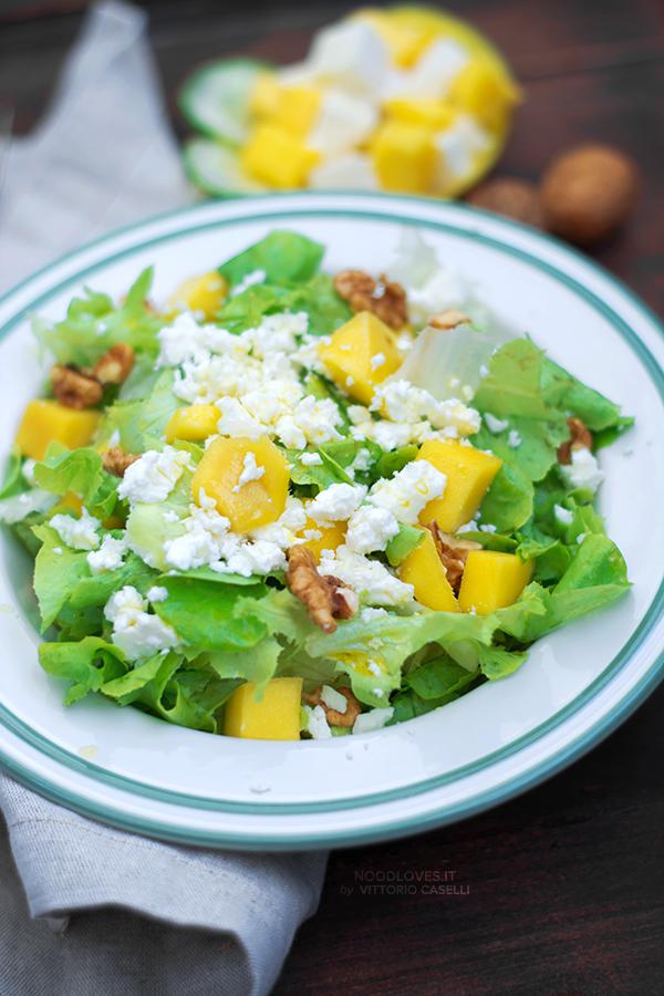 Insalata mista di mango e feta