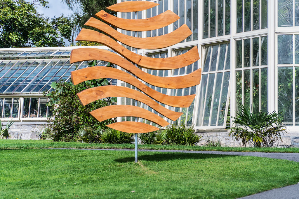 WORLD WAVES BY CONLETH GENT AND PAUL FLYNN [SCULPTURE IN CONTEXT AT THE BOTANIC GARDENS SEPTEMBER 2016]-120820
