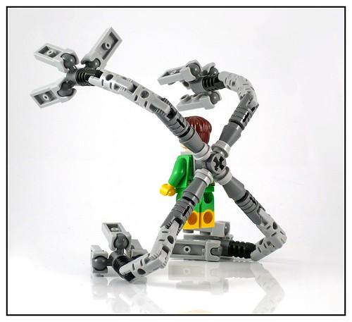 LEGO Marvel Super Heroes 76059 Spider-Man Doc Ock's Tentacle Trap 18