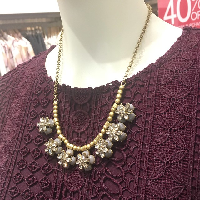 阁楼Crystal Floral Beaded Necklace