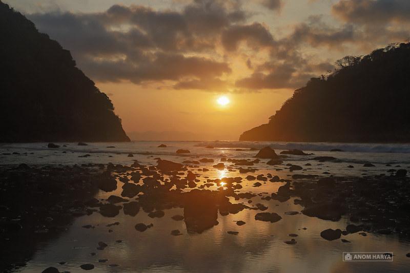 Sunrise di Pantai Atuh