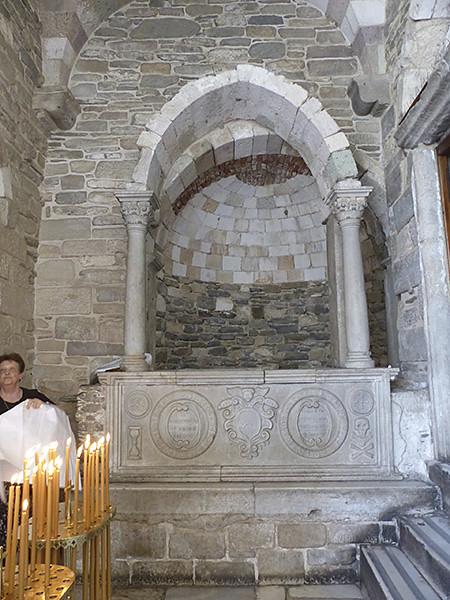 entrée de la  basilique