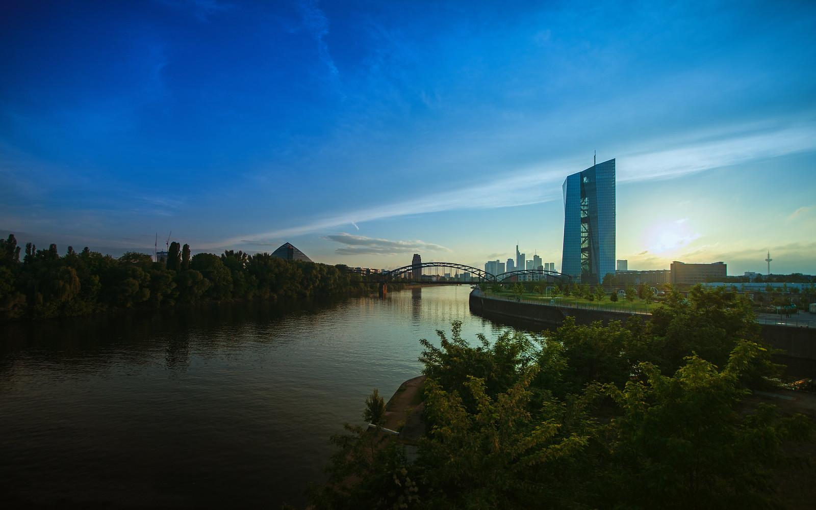 Sammelthema architektur in frankfurt am seite 132 dslr for Frankfurt architektur