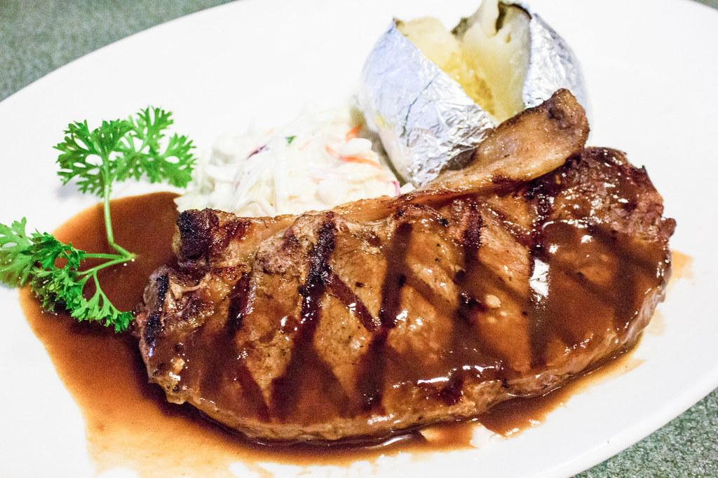 Steaks Under $20: Buddy Hoagies