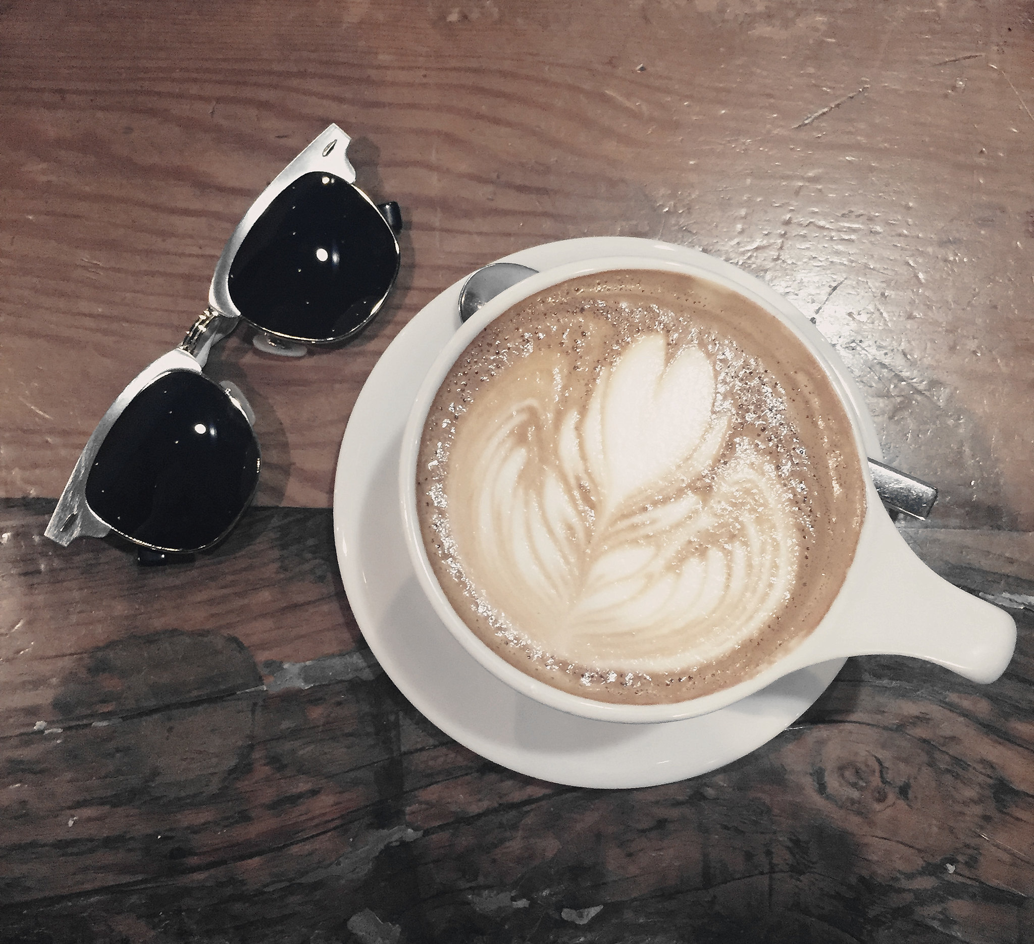 9672-intelligentsia-coffee-coffeeart-latte-hipster