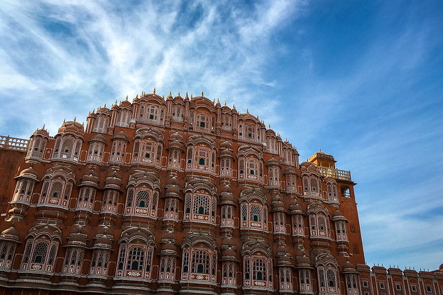 Hawa Mahal (Palace of Winds) with blue sky, Jaipur, India ジャイプール、風の宮殿と青空