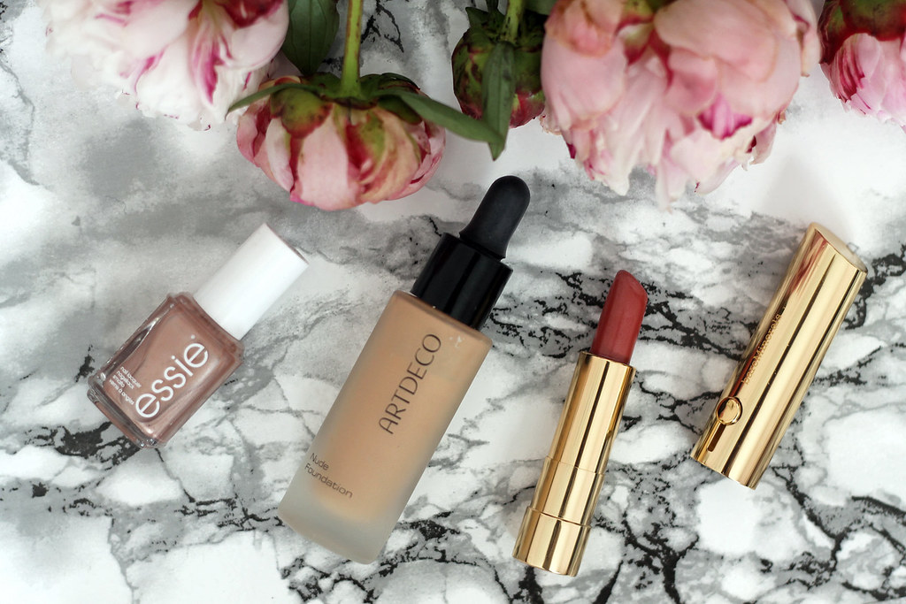 beauty-beautyblog-monatsfavoriten-juni-bareminerals-benefit-primer3
