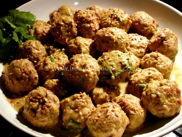 Boulette de Porc au Sésame au Curry Vert © Ana Luthi  Tous droits réservés 1