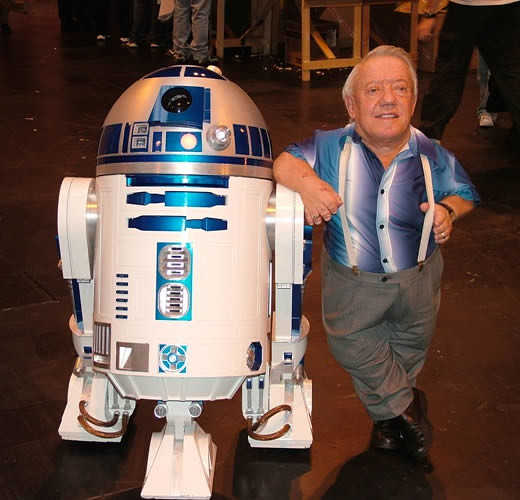 Kenny Baker - R2-D2 - Photo 1