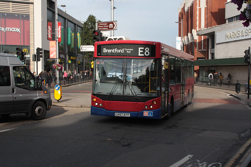 Metroline MM827 LK57AYY