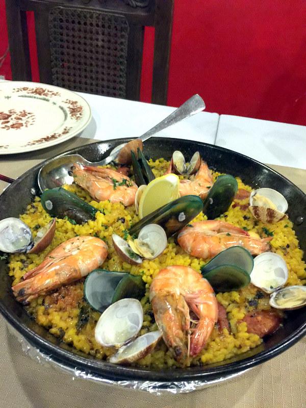 Mateo's Restaurant Cafe- Spanish Seafood Paella P875