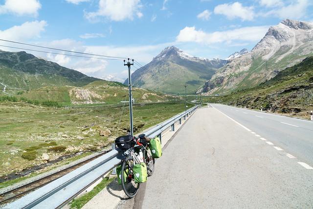 kurze Pause am Berninapass