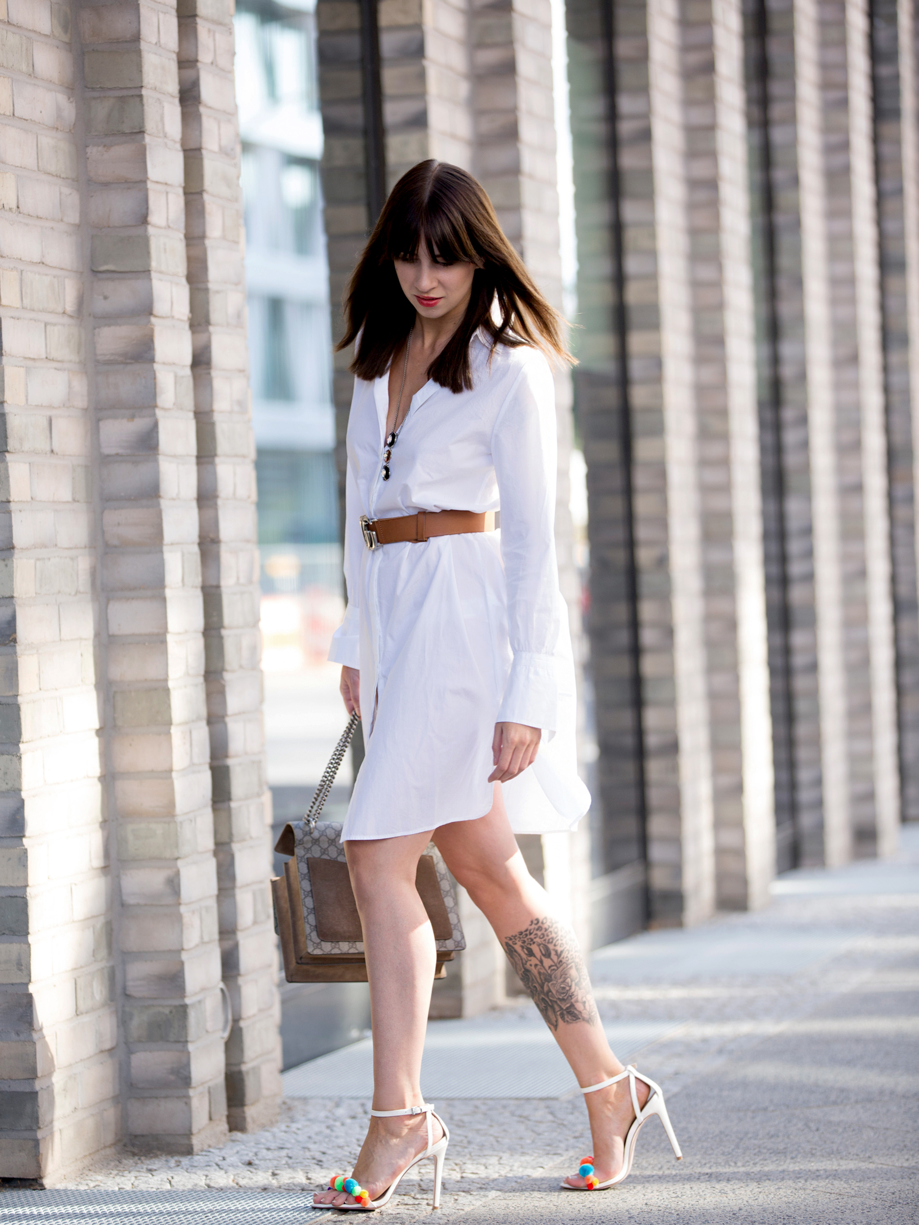 outfit white dress gucci belt dionysus bag pompom heels aquazzura diy blogger ootd fashionblogger summer streetstyle berlin bloggers cats & dogs modeblog ricarda schernus lifestyleblogger 6