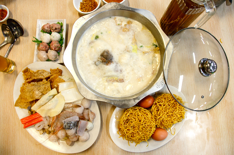 Coco Double Stewed Soup Pork Bone Steamboat
