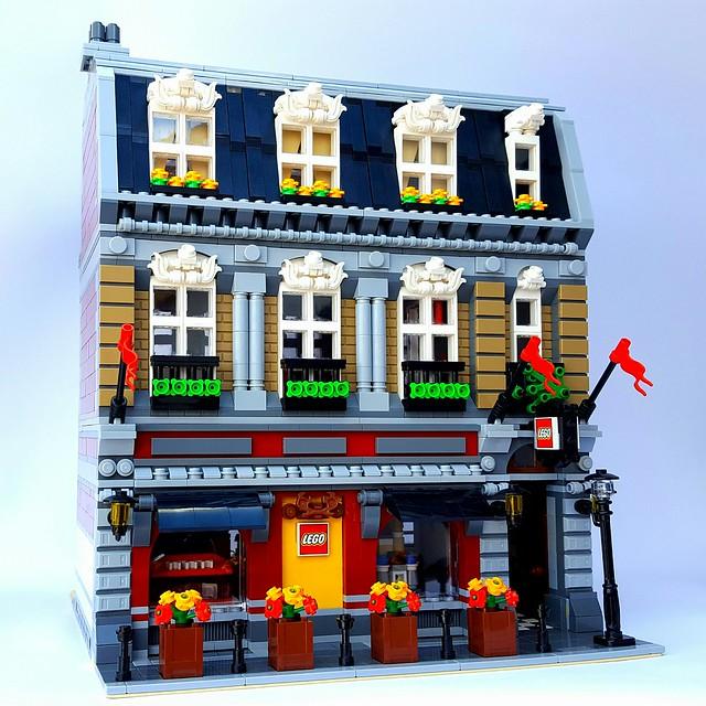 LEGO Brand Store - By Adeel Zubair