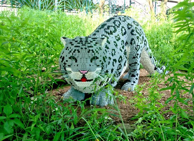 Lego-Snow Leopard1