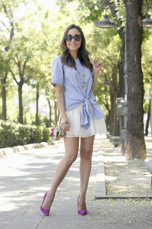 Knotted striped shirt white skirt brosway jewels summer outfit carolina herrera heelsfashion style04