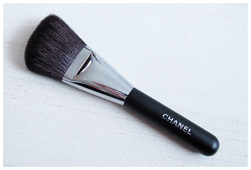 688_Chanel_Brush2