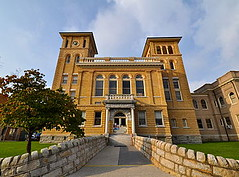 Wise_County_Courthouse_-_Front_View