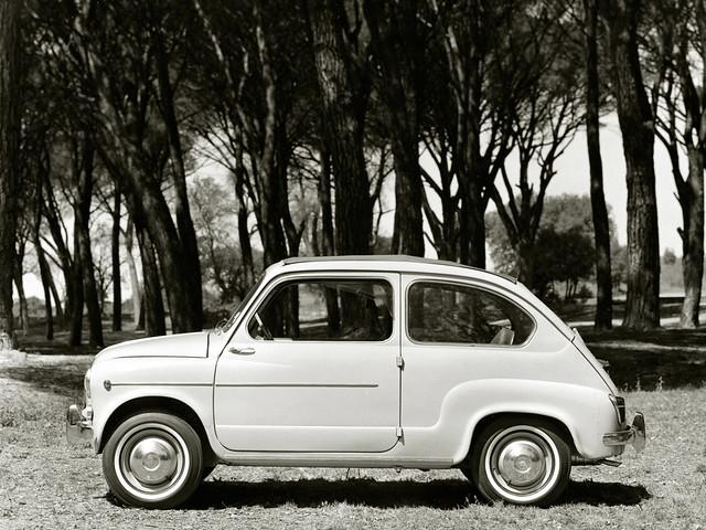 Компактный хэтчбек SEAT 600 D Cabrio. 1963 – 1970 годы