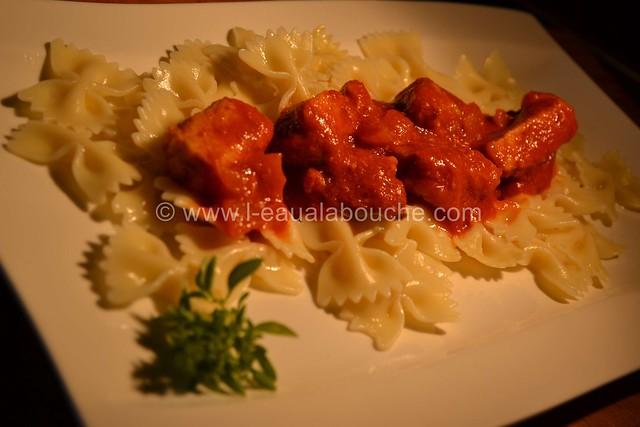Porc à la Tomate  &  Farfale  © Ana Luthi Tous droits réservés 01