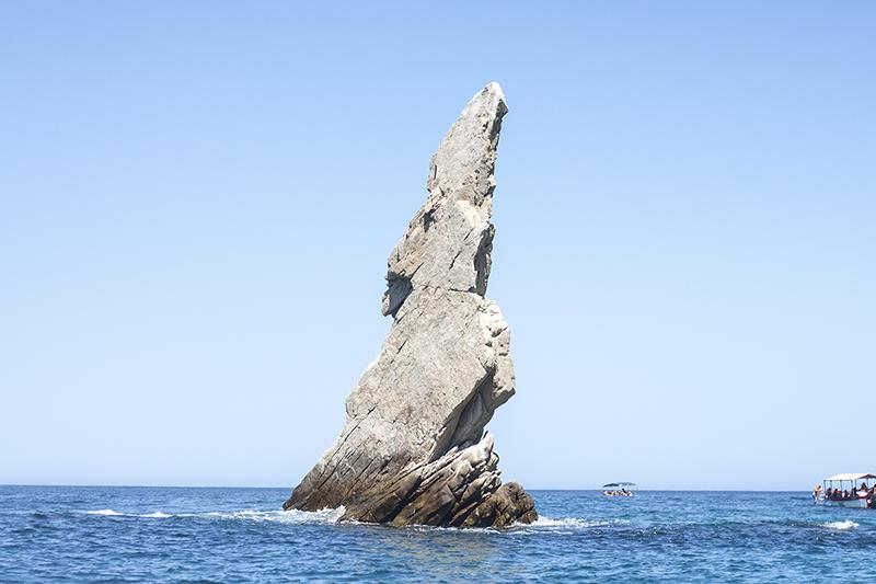 12cabo-mexico-landsend-pelicanrock-ocean-seal-travel