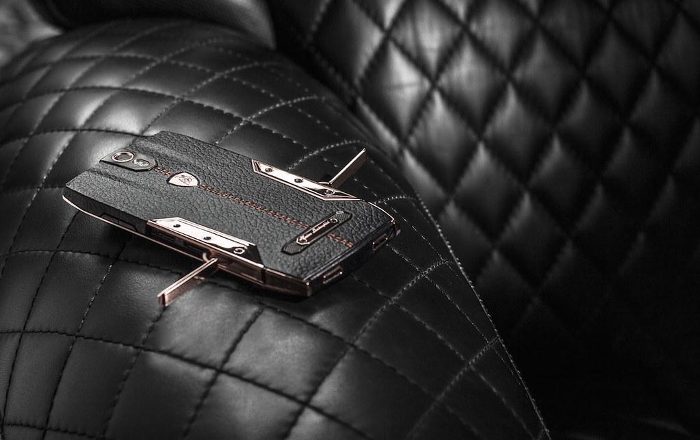 Смартфон Lamborghini 88 Tauri
