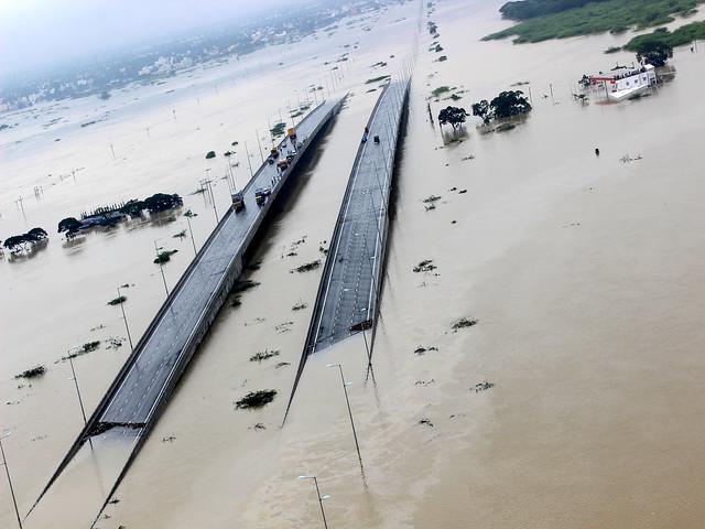 चेन्नई में बाढ़ से तबाही