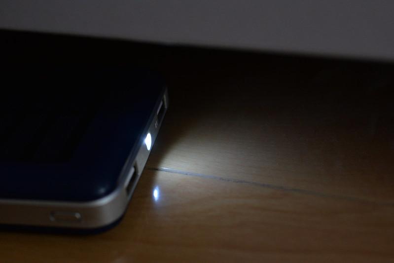Aedon モバイルバッテリー 超大容量20000mAh ソーラーチャージャー