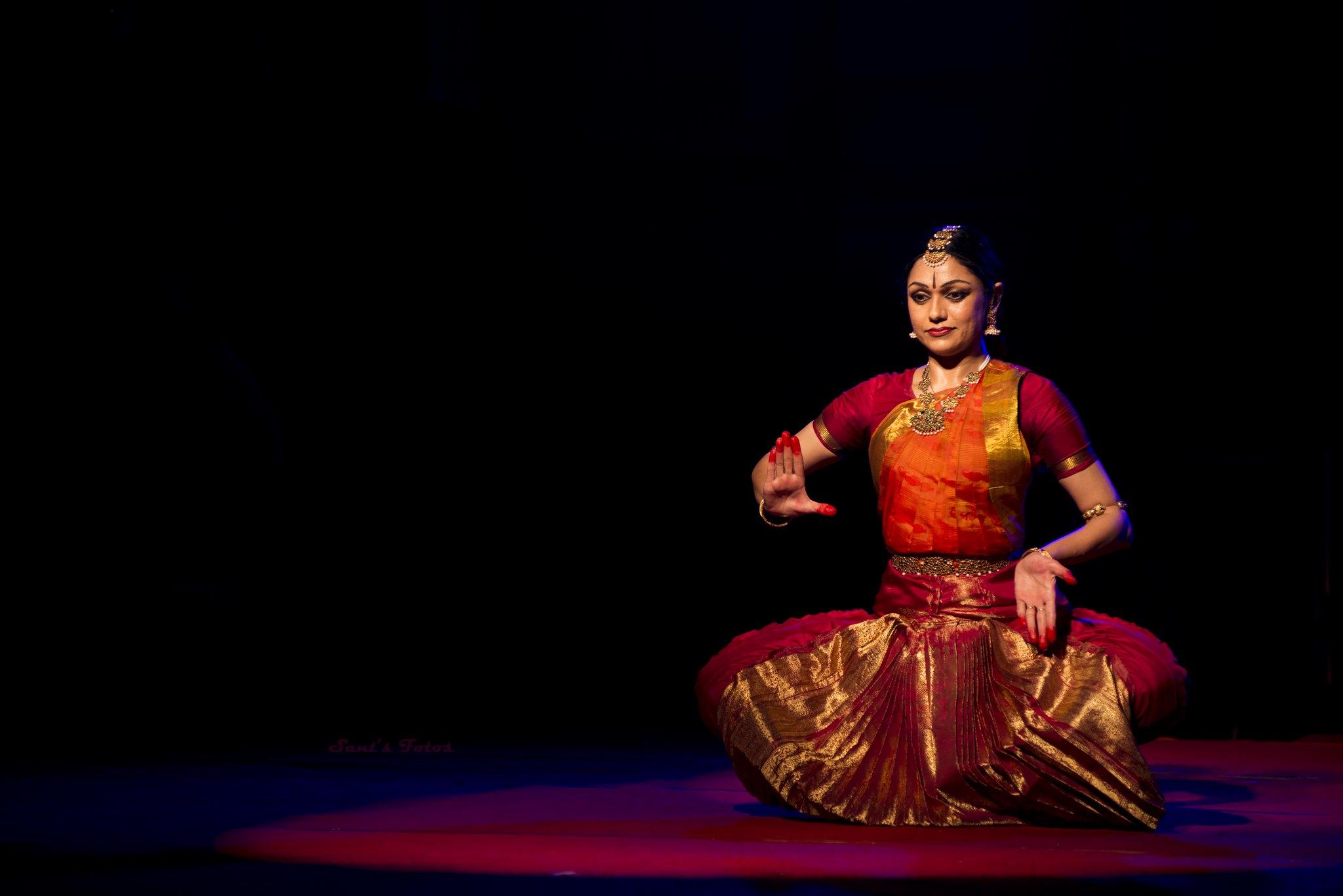 "Thematic Bharatnatyam Dance Recital - ""SHIVOHAM"" by Smt. Rama Vaidyanathan"