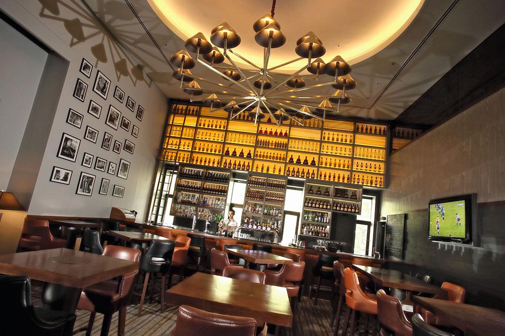 Euro 2016 Arthur's-Bar Grill Shangri-La-Hotel Kuala-Lumpur