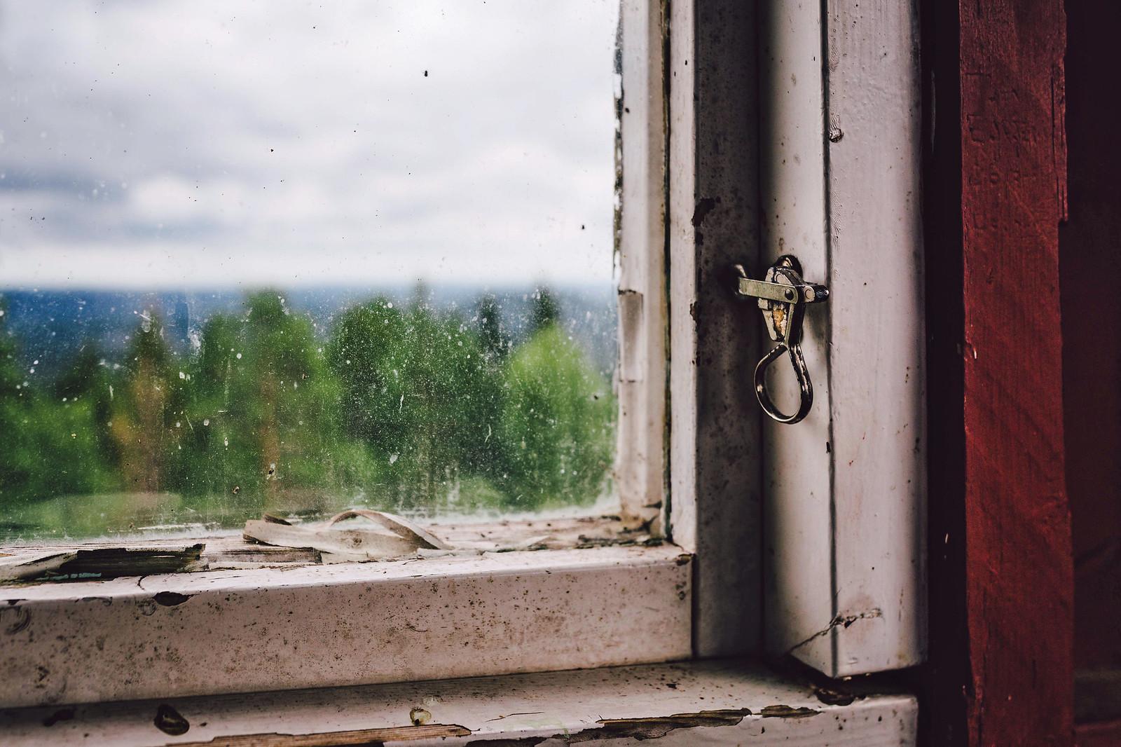 Höle klack fönster