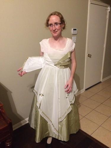 1916 Evening Dress - Fastening