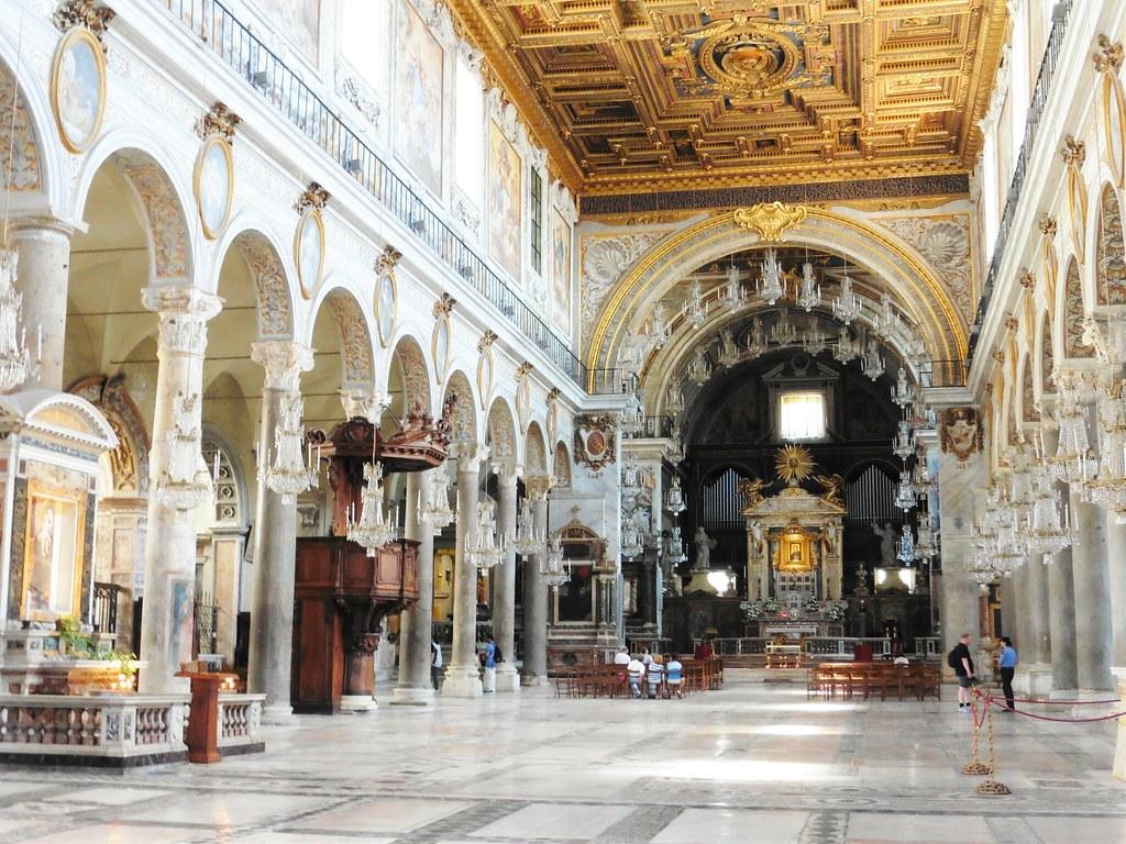 Basilica di Santa Maria in Ara coeli Interior