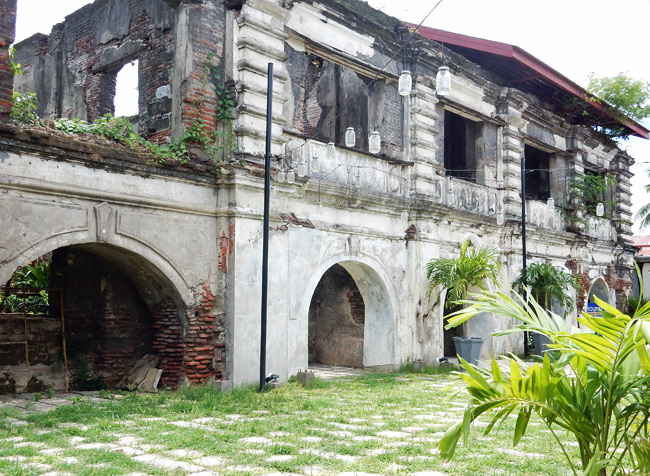 paoay-convent-ruins