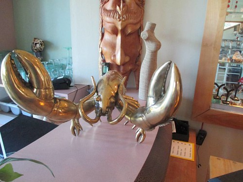 Giant and shiny #pei #brackleybeach #dunesstudio #lobster #sculpture #latergram
