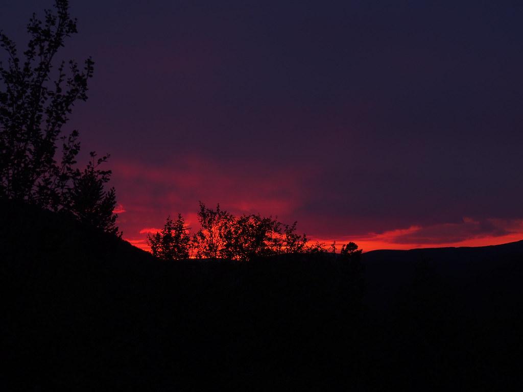 20.8. Illan värejä.