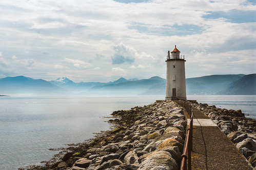 Lighthouse on Godya