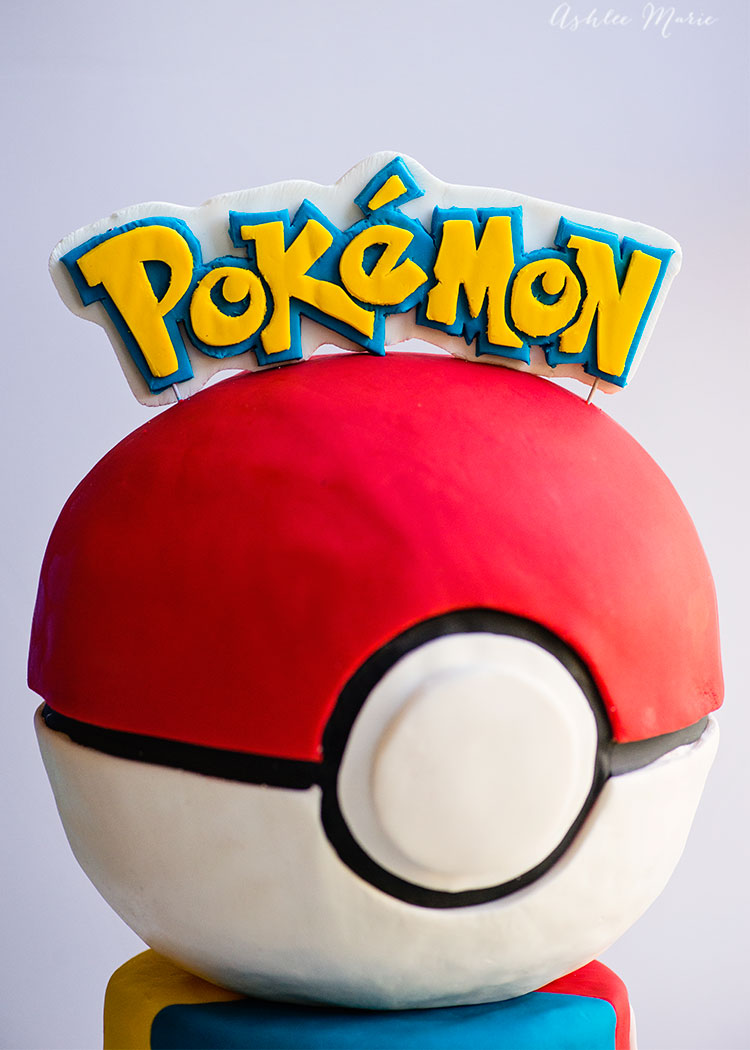 love pokemon? check out this video tutorial for making your own pokeball cake