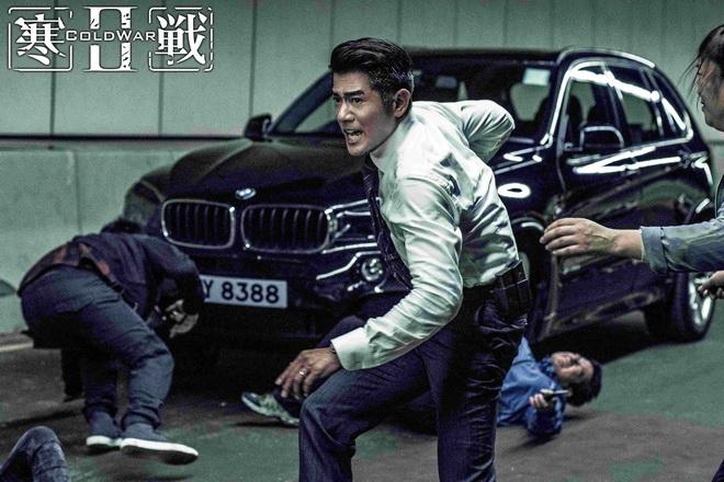 [新聞照片四] 運動休旅王者的BMW X5則是《寒戰2》劇中衝鋒陷陣的最佳夥伴